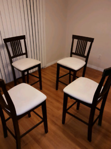 5 piece table and chairs