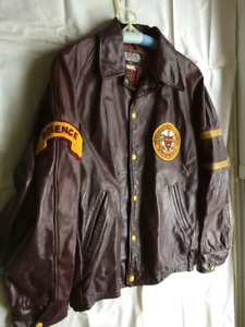 Mount Allison U leather jacket size 40 - vintage 1980s