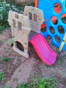 3 outdoor plastic playhouses