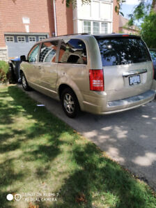 Chrysler Van Town & Country 2008 in perfect condition
