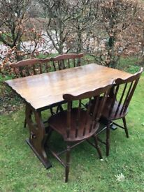 Lovely oak table and four chairs