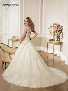 Beautiful Ronald Joyce Wedding Dress! Peterborough Peterborough Area image 2