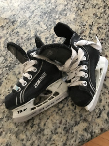 Bauer Youth Size 7 Skates