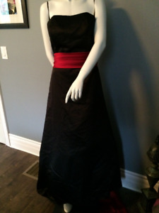 STUNNING Strapless Black & Red Satin Dress Prom Size 18