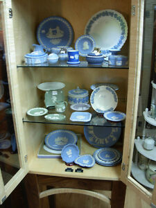 Wedgwood Sale Cambridge Kitchener Area image 1