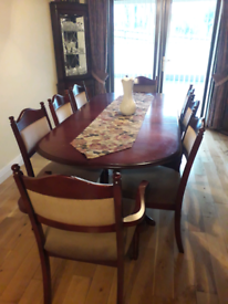 Extendable mahogany table and 8 chairs