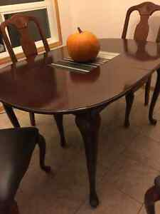 Kitchen table,  4 Chairs