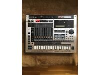 ROLAND MC-808 GROOVEBOX DRUM MACHINE/SYNTH