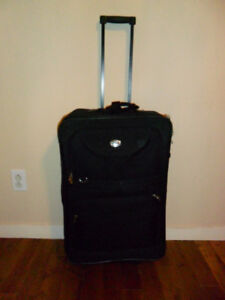 « LIKE NEW Valise verticale de 25 po 25-in Upright Luggage