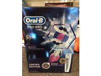 Tooth brush Oral B pro toothbrush