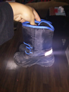 Winter boots size 8c