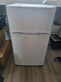 Essentials Fridge/Freezer CUC50W18