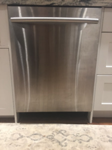 Stainless Steel Samsung Dishwasher- MUST GO!