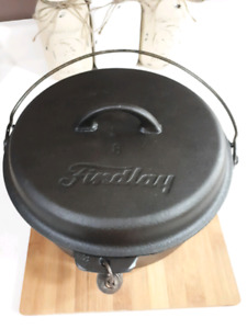 Vintage Findlay Cast Iron Dutch Oven With Trivet