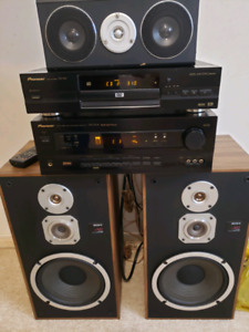 4 sale a awesome pioneer stereo ,matching CD,Sony speaker's,