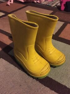 Toddler rain boots size 6