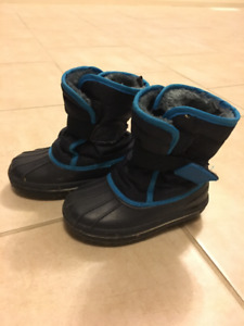 Boys winter boot size 7