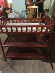 FOR SALE BABY'S CHANGE TABLE