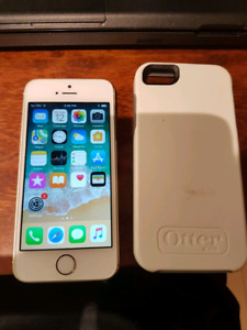 White Iphone 5s 16gb with case