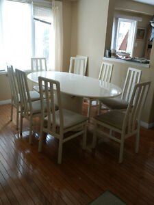 Italian White Lacquer Table with 8 chairs