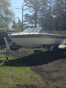 1979 18 ft deep v boat and trailer