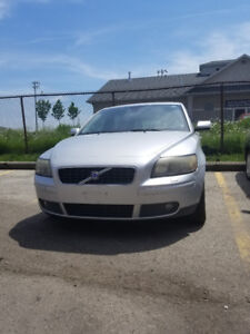 2005 Volvo V50 FOR SALE!!! 1500.00 must go .. NEED PARKING SPACE