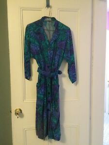 4 Women's dresses (Two size 6, One size 8, One size 10) $25 each
