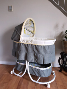 Carters Bassinet from Baby's r us