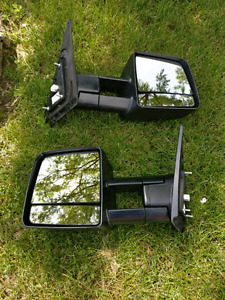 Toyota Tundra OEM Towing Mirrors