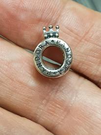 New Pandora crown 👑 O charm