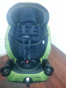 Evenflow car seat Green and black,