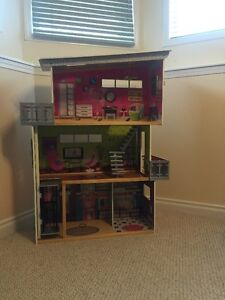 Costco  Doll House $40