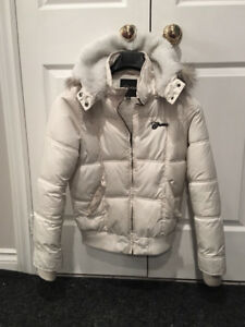 LADIES' GUESS WINTER JACKET - MEDIUM