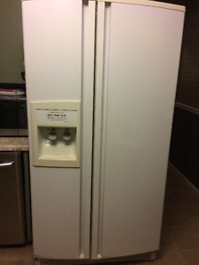 Kitchen Aid Refrigerator/Ice Maker - Still Under Warranty
