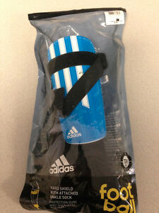 Adidas Youth Medium Shin Guard  - Brand New