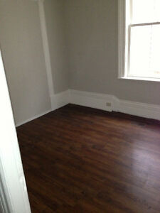ALL INCLUSIVE House for 4 Students – Great Downtown Location