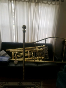 Brass queen or king size bed