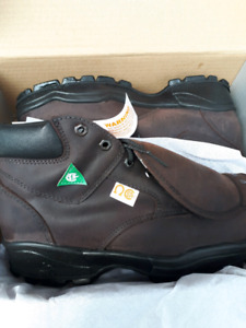 Mens brand new work boots