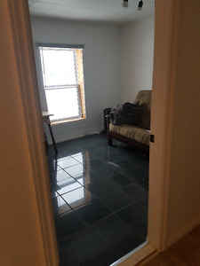12X12 VERY CLEAN ROOM FOR RENT IN FENELON FALLS