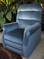 LIFT CHAIR RECLINER WITH MASSAGE & HEAT,  EXCELLENT CONDITION