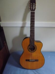 For sale Takamine acustic guitar and Tascam TM-D1000 mixer
