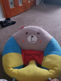 Baby sit up seat