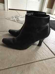 Women's Naturalizer boots size 9.5