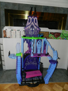 CHATEAU MONSTER HIGH