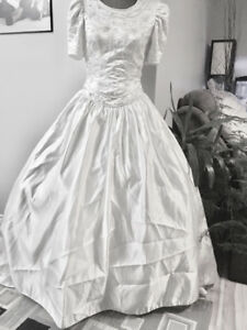 Size 8/10 Short Sleeve Wedding Dress