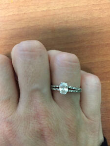 Beautiful Oval 0.54ct Diamond ring set in White gold