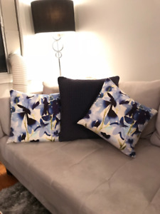 Pre-owned Outdoor throw pillows / cushions from Indigo
