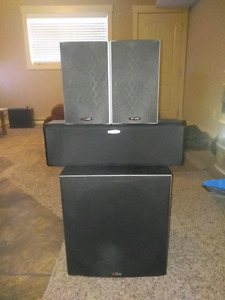 Polk Audio surround speakers l, center channel and sub