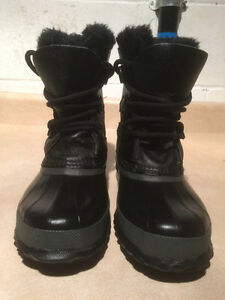 Women's Sorel Leather Winter Boots Size 5 London Ontario image 4