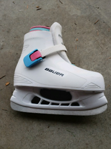 Little girl bauer skates size 12/13